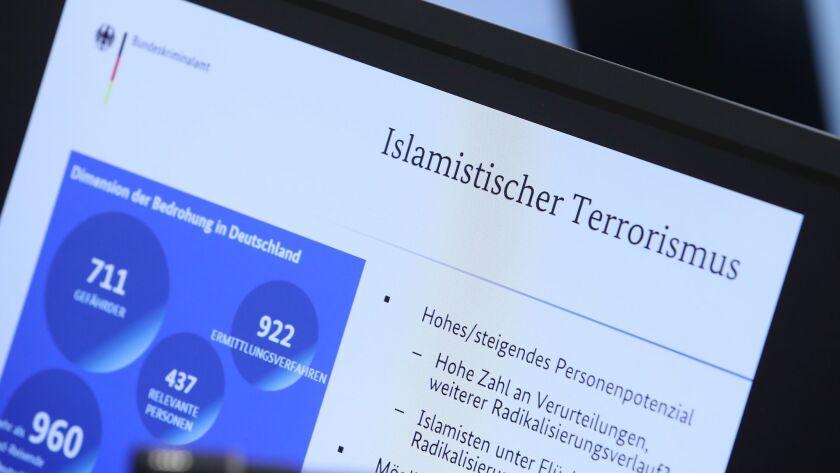 De Maiziere Visits GTAZ Anti-Terror Center, Berlin, Germany - 30 Nov 2017
