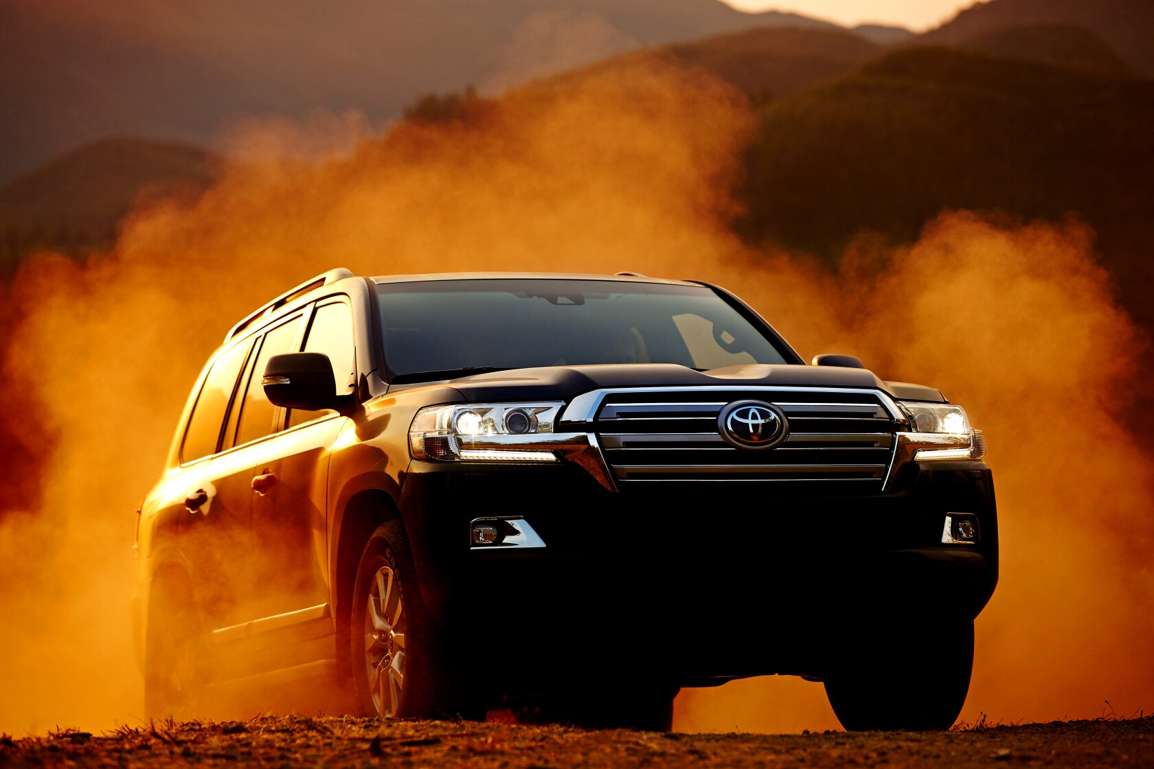 2020 Toyota Land Cruiser Big Expensive And Thirsty Los