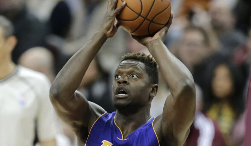Lakers forward Julius Randle (30) shoots in the first half against the Cleveland Cavaliers.