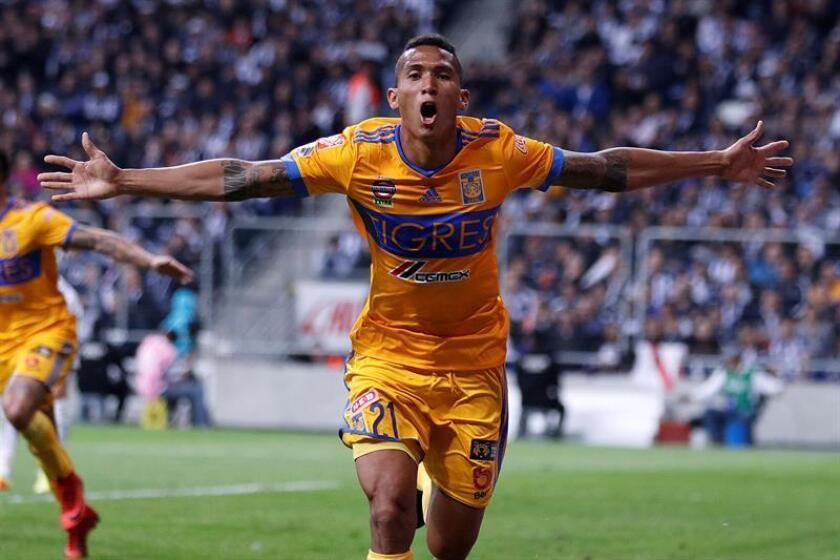 El jugador Francisco Meza de Tigres celebra un gol durante el partido de vuelta correspondiente a la final del Torneo Apertura 2017 mexicano. EFE/Archivo