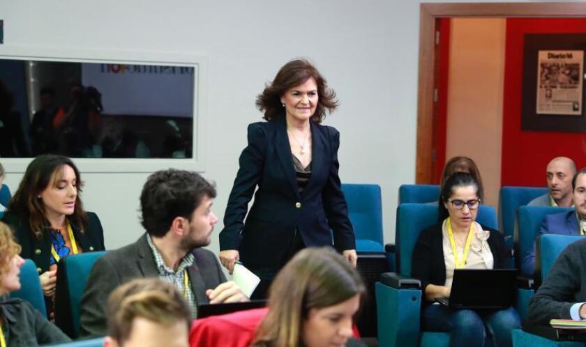 La vicepresidenta del Gobierno, Carmen Calvo, en rueda de prensa posterior a la reunión del Consejo de Ministros celebrada hoy en Moncloa. EFE