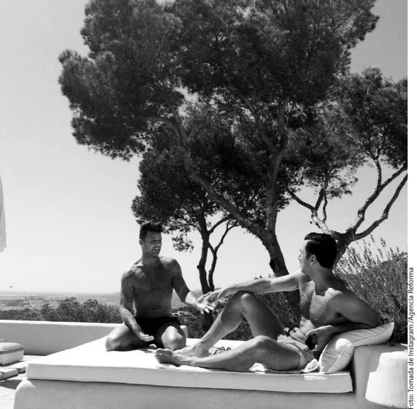 A punto de iniciar su gira One Worl Tour, en España, Ricky Martin aprovechó para pasar unos días de vacaciones en Ibiza junto a su pareja Jwan Yosef.
