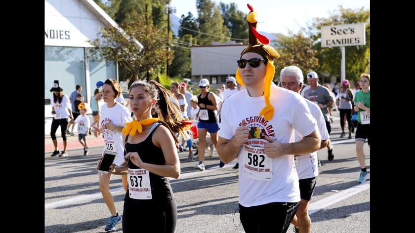 Photo Gallery: Annual Thanksgiving Day Run in La Cañada Flintridge