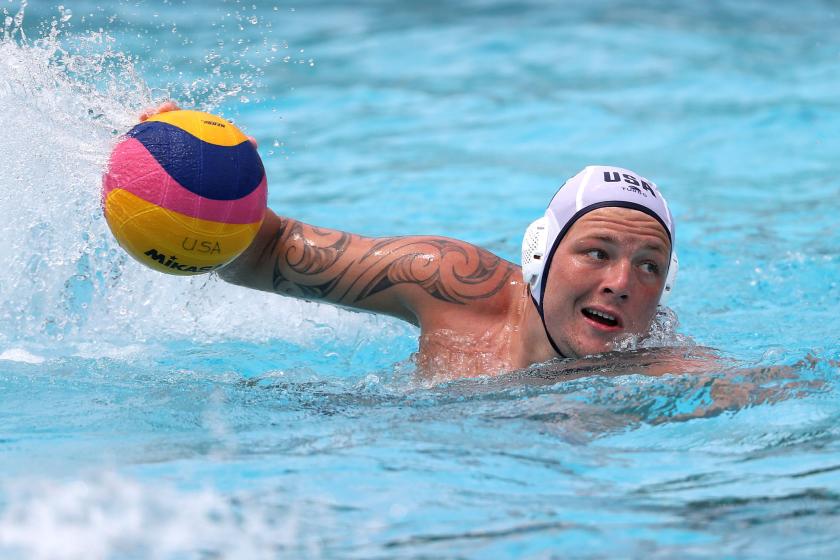 Hannes Daube plays water polo.