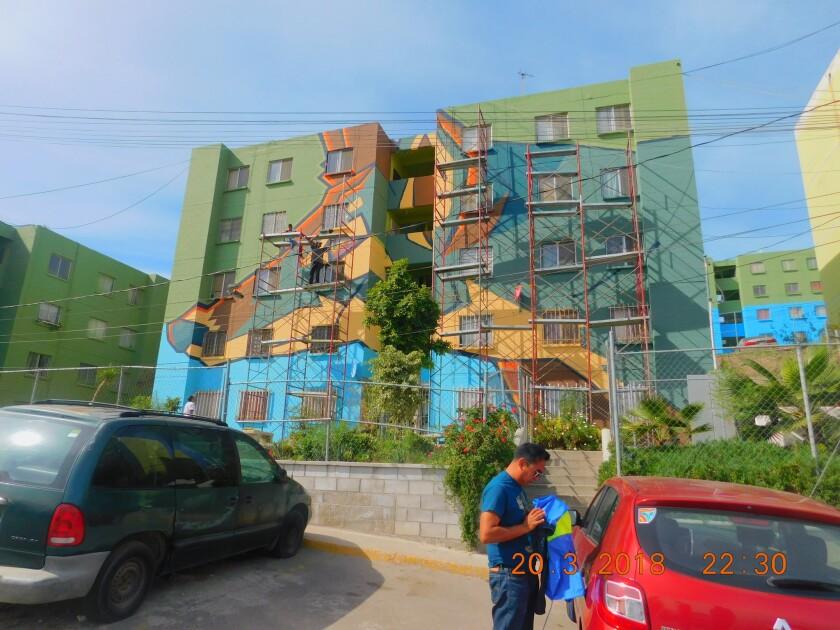 El proyecto no solo incluye el mural, sino talleres de pintura, música urbana y cursos de valores para los niños, con el objetivo de integrar a la comunidad.