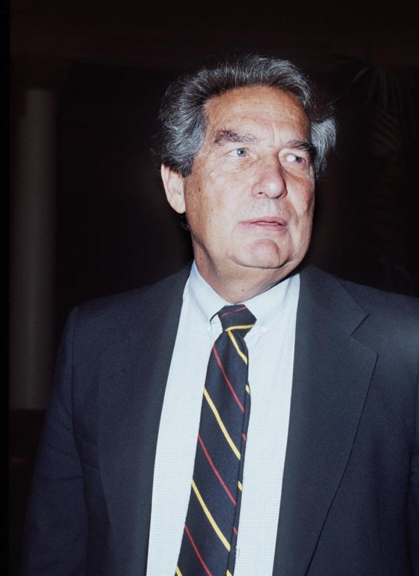 Las autoridades culturales de México aprobaron hoy por unanimidad una propuesta para declarar monumento artístico el archivo documental y el acervo bibliográfico del poeta Octavio Paz (1914-1998). EFE/ARCHIVO