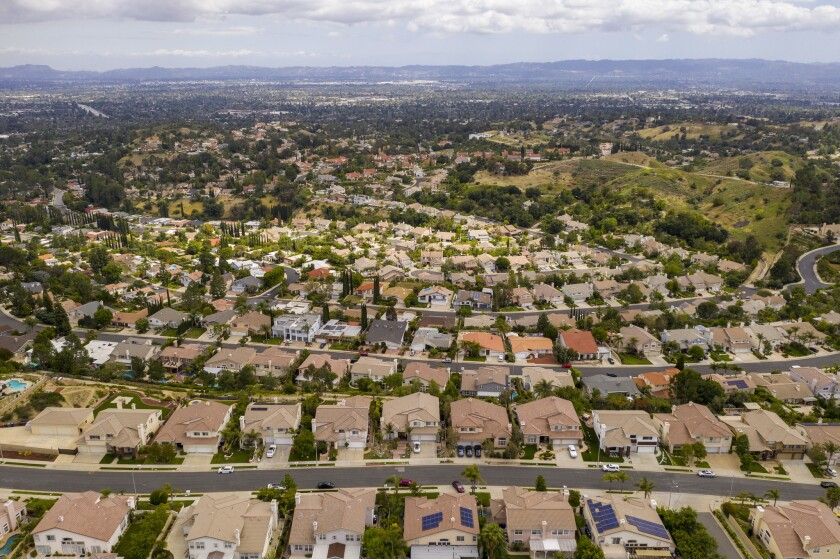 Drone photo of suburban spawl from Porter Ranch. Opposition from suburban Democratic lawmakers and small cities were the driving force behind the demise of Senate Bill 50