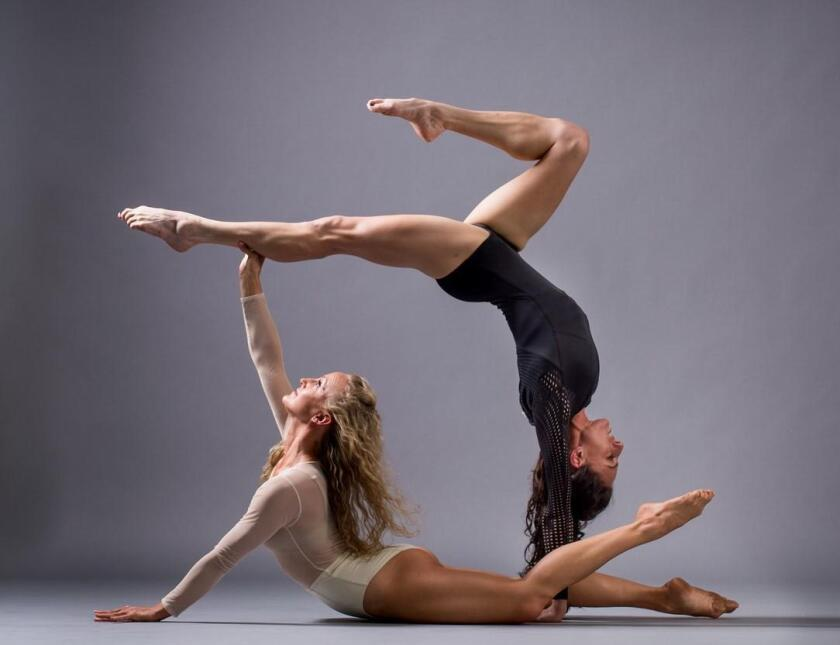 Malashock dancers Courtney Giannone and Andrea Rehm