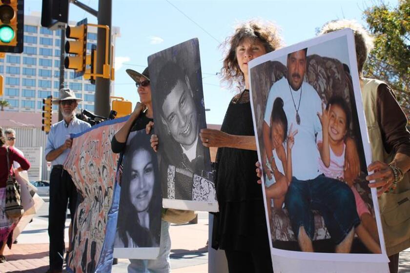 La Fiscalía y la defensa presentaron hoy sus argumentos finales en el juicio en contra del agente de la Patrulla Fronteriza Lonnie Swartz, acusado de haber disparado a través del muro fronterizo en Arizona y haber matado al adolescente José Antonio Elena Rodríguez, que estaba en México. EFE/ARCHIVO