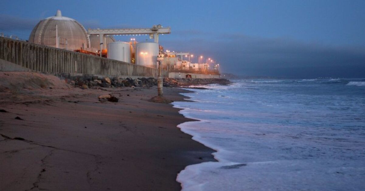7,000 gallons of sewage from San Onofre nuclear plant spills a mile into the ocean