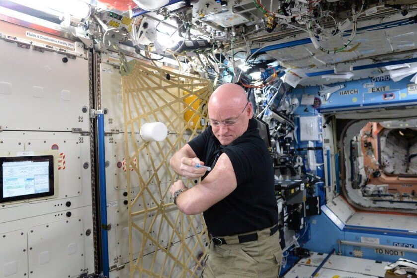 NASA astronaut Scott Kelly in Twins Study with brother Mark Kelly