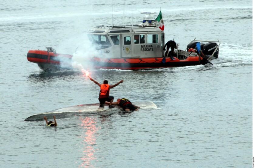 La Secretaría de Marina informó que, en 10 años, sus elementos desplegados en 30 Estaciones de Búsqueda y Rescate han puesto a salvo a 965 náufragos nacionales y extranjeros en situación de peligro.