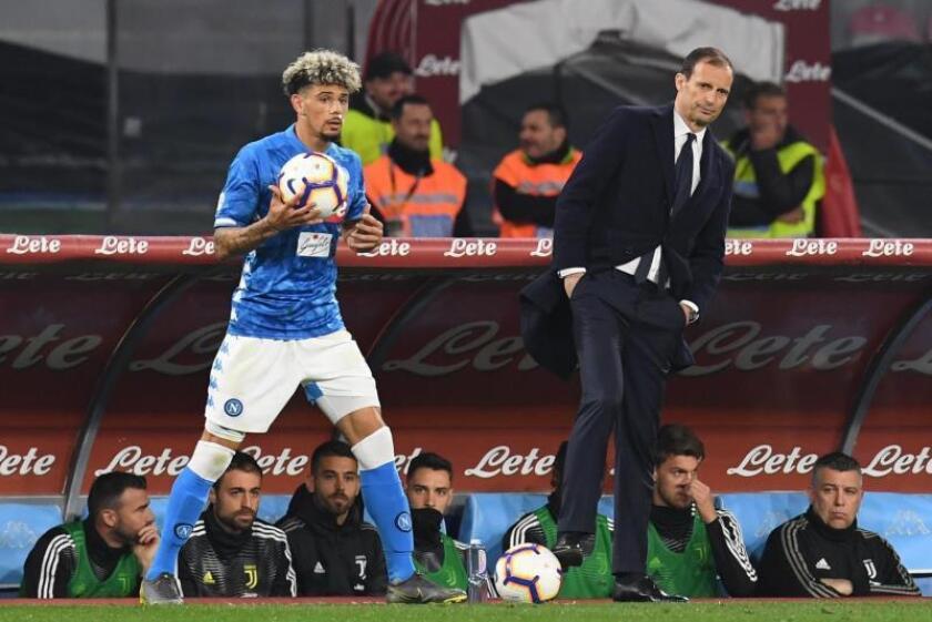 El técnico de la Juventus durante el partido que enfrentó a su equipo con el Nápoles en la jornada de hoy de la Serie A de la liga italiana. EFE/EPA/CIRO FUSCO