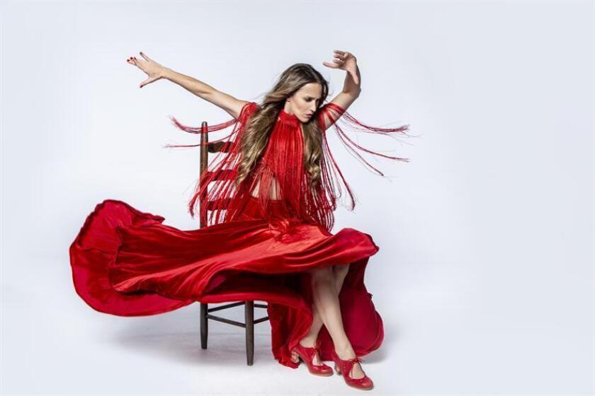 """Fotografía cedida por Kike San martin donde aparece la bailaora y coreógrafa venezolana Siudy Garrido quien mientras participa en el concurso """"World Of Dance"""" (WOD), continúa con la gira del espectáculo """"Flamenco Íntimo"""" y ensaya su versión del """"Amor Brujo"""", del compositor español Manuel de Falla, que presentará el 11 de julio en el Hollywood Bowl de Los Ángeles, junto con la Filarmónica de esa ciudad. EFE/Cortesía Kike San Martin/SOLO USO EDITORIAL/NO VENTAS"""
