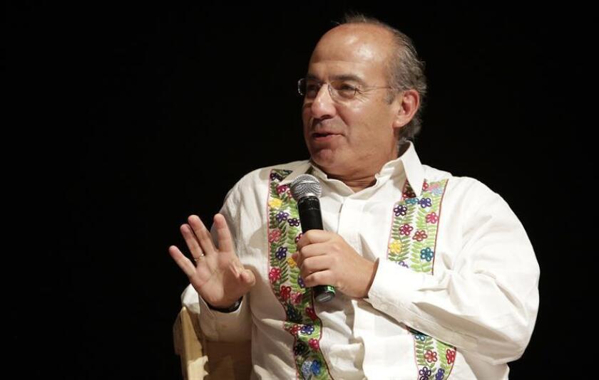 La Secretaría de Relaciones Exteriores (SRE) de México lamentó hoy la decisión del Gobierno de Cuba de no autorizar el viaje del expresidente mexicano Felipe Calderón (2006-2012) a la isla, donde iba a asistir a un homenaje al disidente Oswaldo Payá (1952-2012). EFE/ARCHIVO