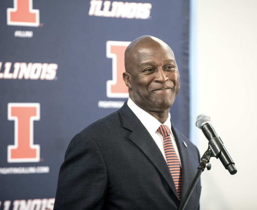 Former NFL coach Lovie Smith is hired by Illinois