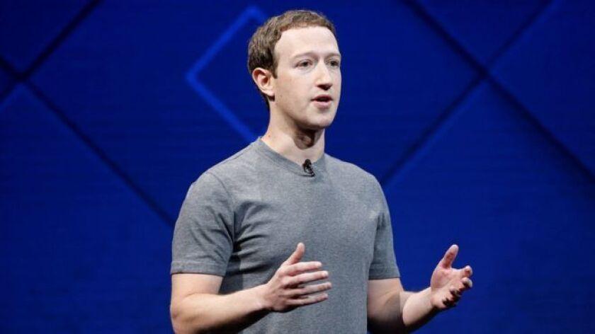 """Son propósitos que parecen sencillos si se comparan con el que tiene para este 2018: """"reparar"""" Facebook."""