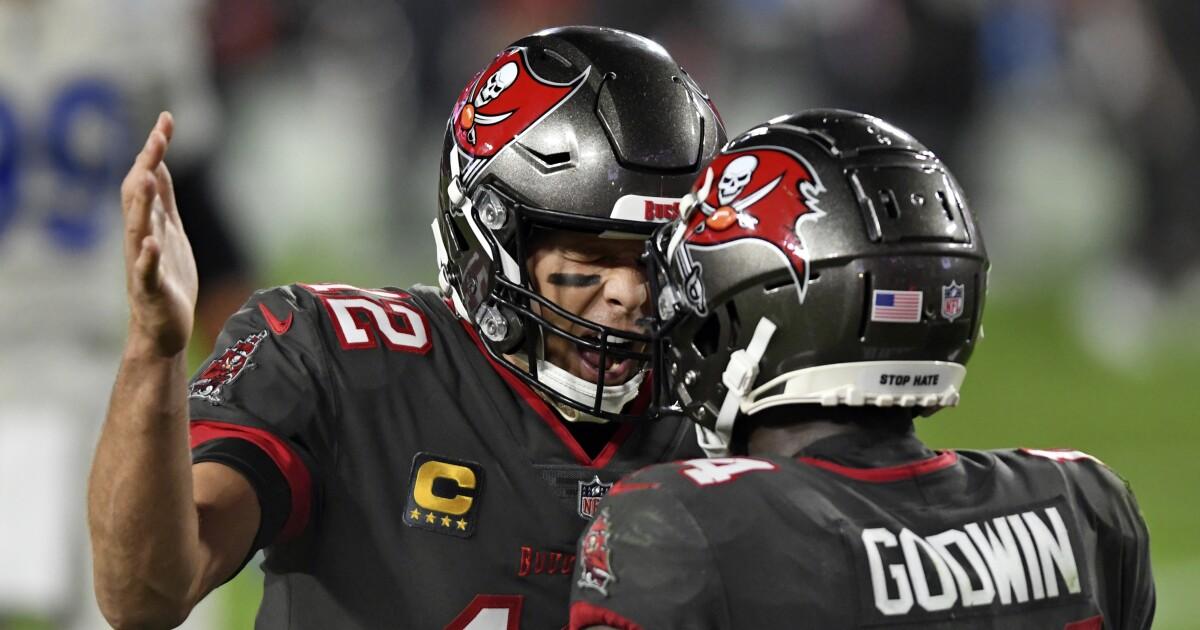 NFL Week 12 picks, odds and predictions: Buccaneers upset Chiefs