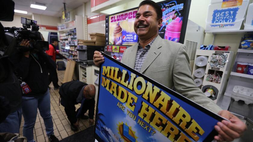 Los ganadores de Chino Hills reclamaron por fin su gran premio de la lotería
