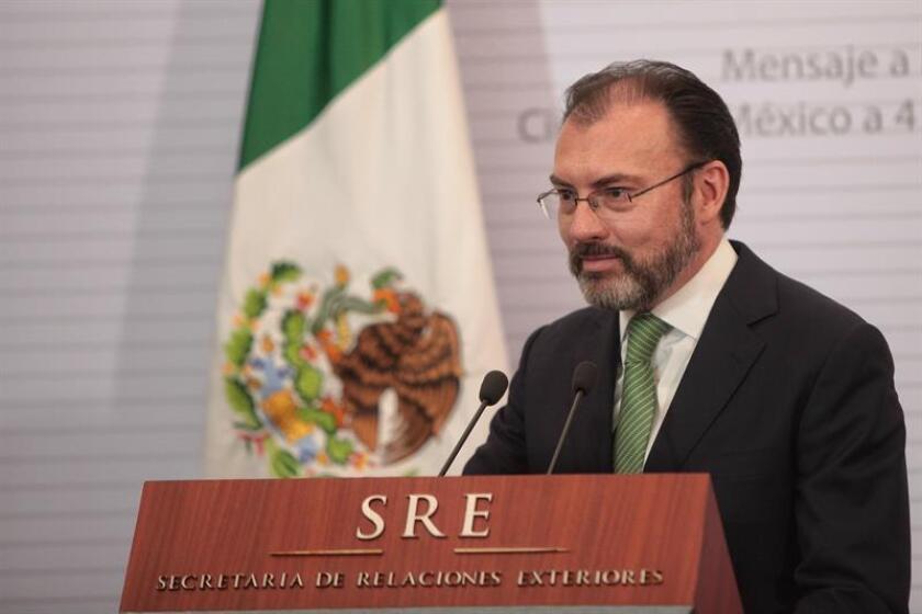 El Gobierno mexicano celebró hoy el nombramiento del diplomático Benito Andión Sancho como enviado especial de la ONU para facilitar el diálogo en El Salvador y aseguró que la designación es un reconocimiento a su trayectoria. En la imagen, el secretario de Relaciones Exteriores de México, Luis Videgaray. EFE/ARCHIVO