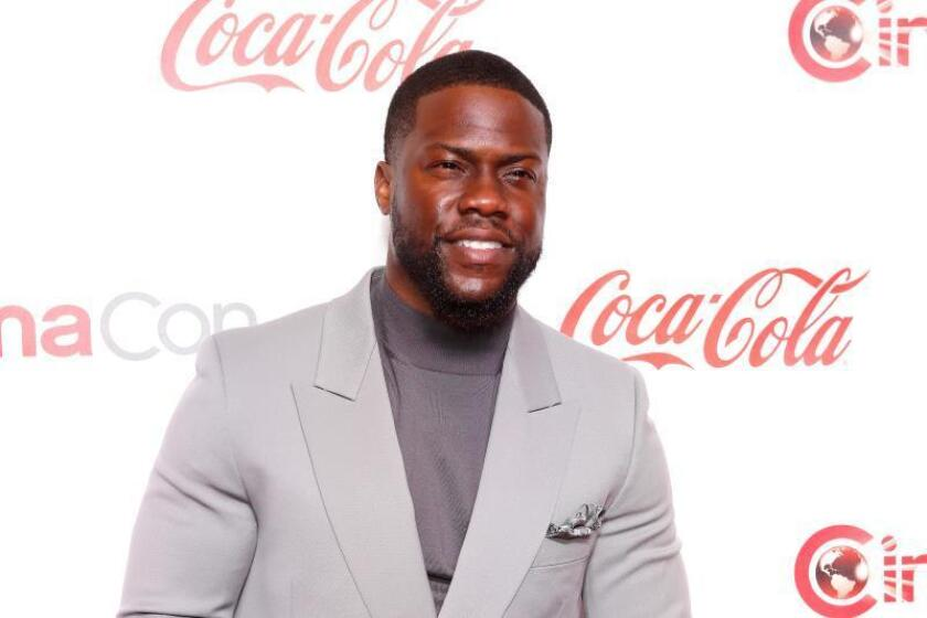 El actor Kevin Hart resulta herido en un accidente de tráfico en California