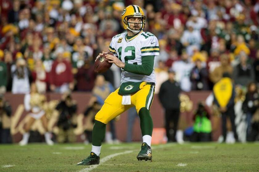 El mariscal de campo Aaron Rodgersde los Packers de Green Bay. EFE/Archivo