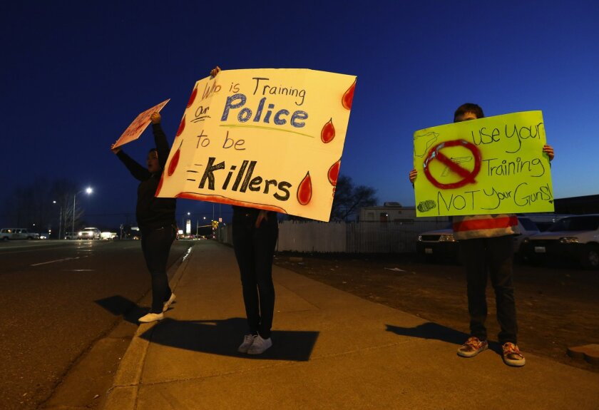 Pasco police shooting protest