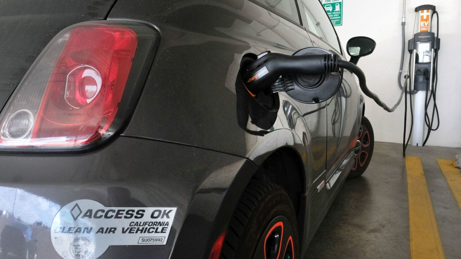 7e67e9649 Bill introduced banning gasoline-powered vehicles in California by 2040