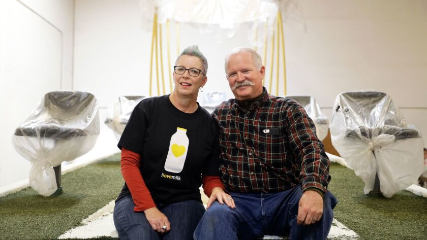 Christian Guntert and his girlfriend, Susan Brown, plan to get married on a Rose Parade float.