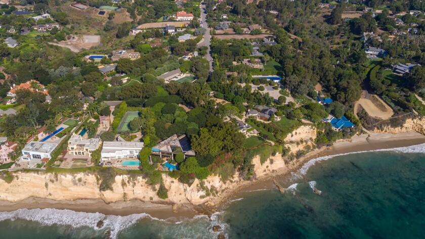 Johnny Carson's former Malibu estate   Hot Property
