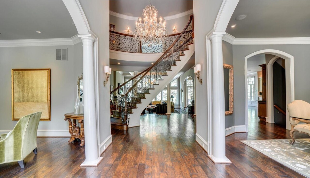 Bruce Allen's Virginia mansion