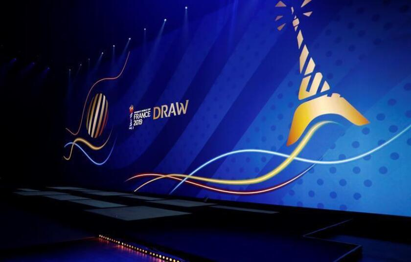 Vista general del sorteo del Mundial de Francia. EFE/EPA