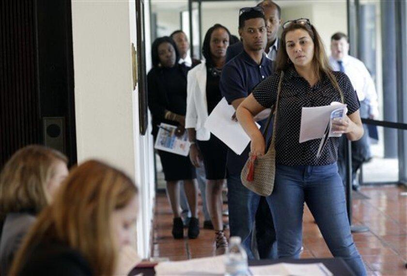 Las solicitudes semanales del subsidio de desempleo en Estados Unidos descendieron en 8.000 en la semana que finalizó el 17 de septiembre y quedaron en 252.000, informó hoy el Departamento de Trabajo.