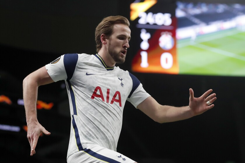Tottenham's Harry Kane celebrates after scoring the opening goal during the Europa League round of 16, first leg, soccer match between Tottenham Hotspur and Dinamo Zagreb at the Tottenham Hotspur Stadium in London, England, Thursday, March 11, 2021. (AP photo/Alastair Grant, Pool)