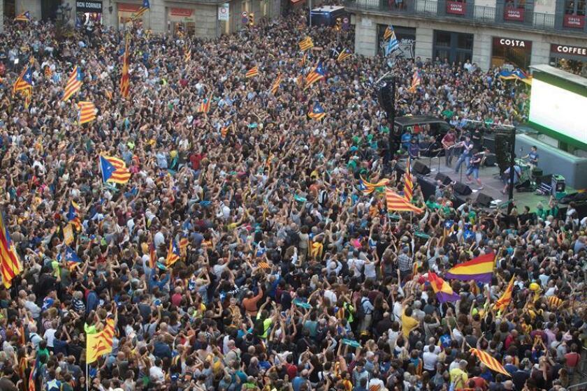 """Los """"bots"""" generaron y promovieron en Twitter contenido violento dirigido a los partidarios de la independencia de Cataluña en las fechas alrededor del 1 de octubre de 2017, lo que """"exacerbó el conflicto social online"""", según un estudio publicado hoy. EFE/ARCHIVO"""