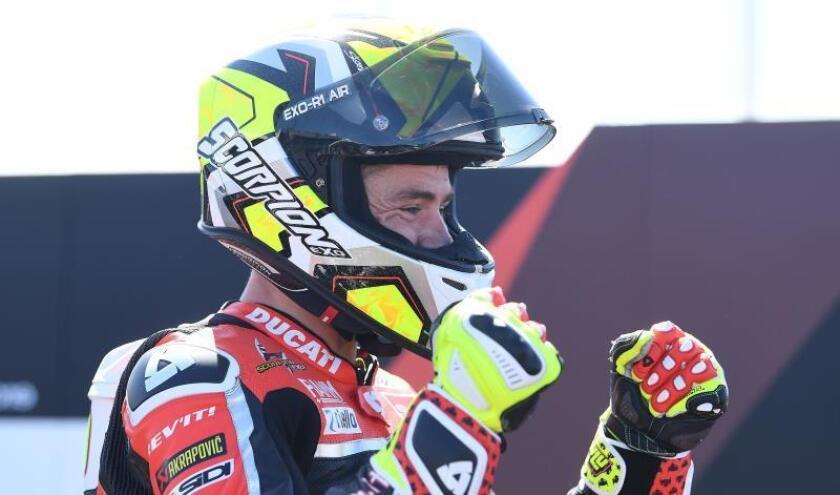 español Álvaro Bautista (Ducati) ha hecho historia en Australia, en el circuito de Phillip Island, al imponerse en la carrera 1 de la primera prueba del Mundial SBK. EFE