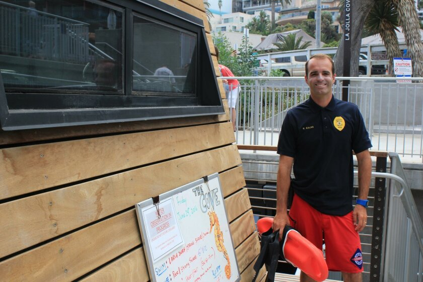 Lifeguard Rodger Eales is an experienced surfer, swimmer and SCUBA diver.