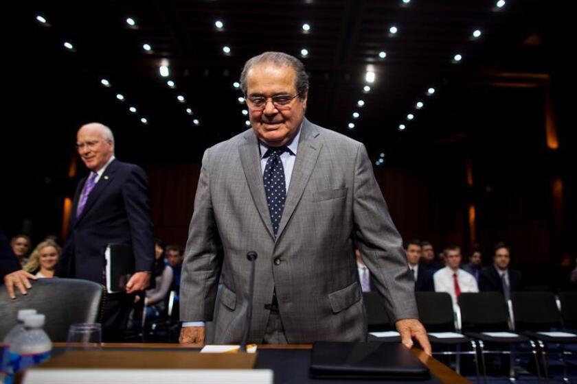 Nacido el 11 de marzo de 1936 en Trenton (Nueva Jersey), desde su nombramiento Antonin Scalia fue uno de los jueces del tribunal con posturas más conservadoras.
