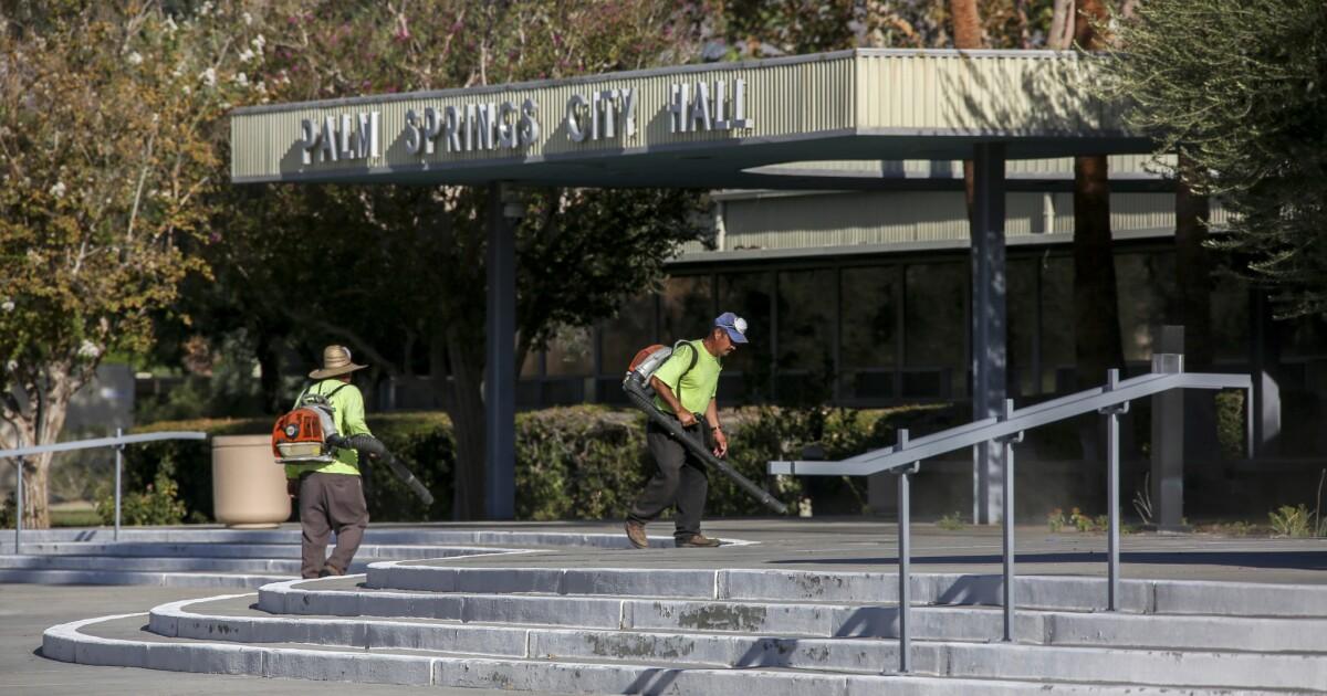 Mit drei coronavirus Todesfälle in der Gegend, Palm Springs Probleme shelter-in-place bestellen