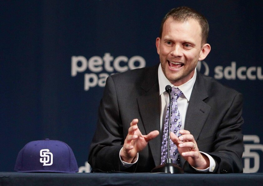 New Padres manager Andy Green talks about his vision during an impressive introductory pres conference. | (Misael Virgen/ San Diego Union-Tribune)