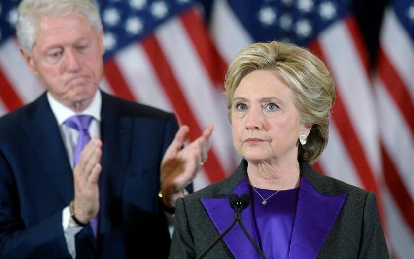 Las autoridades encontraron hoy artefactos explosivos cerca de las residencias que Bill y Hillary Clinton tienen en la localidad de Chappaqua, al Norte de Nueva York, según informan medios locales, así como de Barack Obama. EFE/Archivo