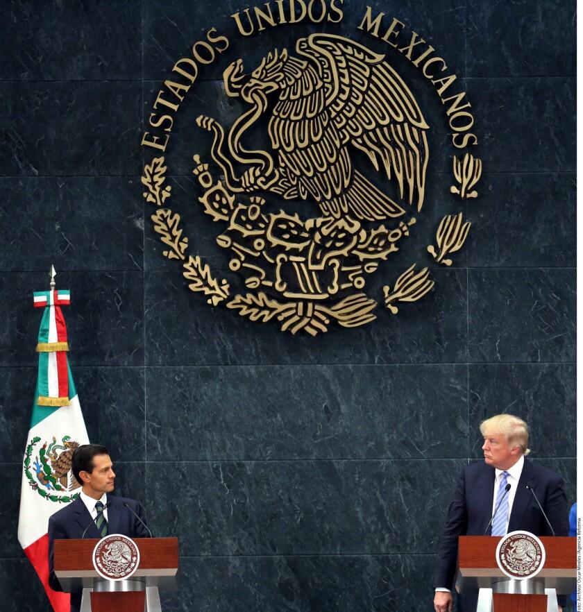 """En el mensaje, Peña Nieto pide a ambos trabajar hombro con hombro para cimentar una relación de confianza mutua, respeto y entendimiento. La """"conversación directa"""" a la que los convoca es para """"aclarar mal entendidos"""" y """"entenderse mejor""""."""