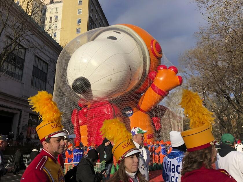 Participantes del desfile del Día de Acción de Gracias que organiza la tienda Macy's