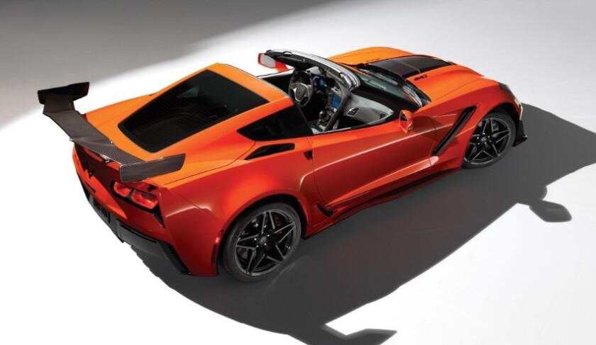 2020-Chevrolet-Corvette-Convertible.jpg