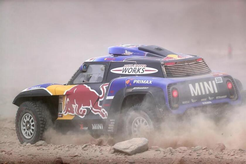 Spain's Carlos Sainz drives his Mini during the fourth stage of the 2019 Dakar Rally between Arequipa and Tacna, Peru, 10 January 2019. EFE-EPA/ Ernesto Arias