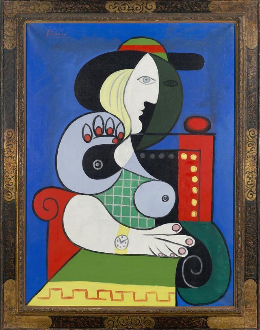"""Fotografía cedida por el Museo Pérez de Arte de Miami (PAMM) donde se muestra la obra de Pablo Picasso """"Femme à la montre"""" (1932), un retrato de la musa y amante del pintor español Marie-Therese Walter que pertenece a una colección privada, y que será exhibida a partir del 4 de julio en el mismo. EFE/Pérez Art Museum Miami/SOLO USO EDITORIAL/NO VENTAS"""