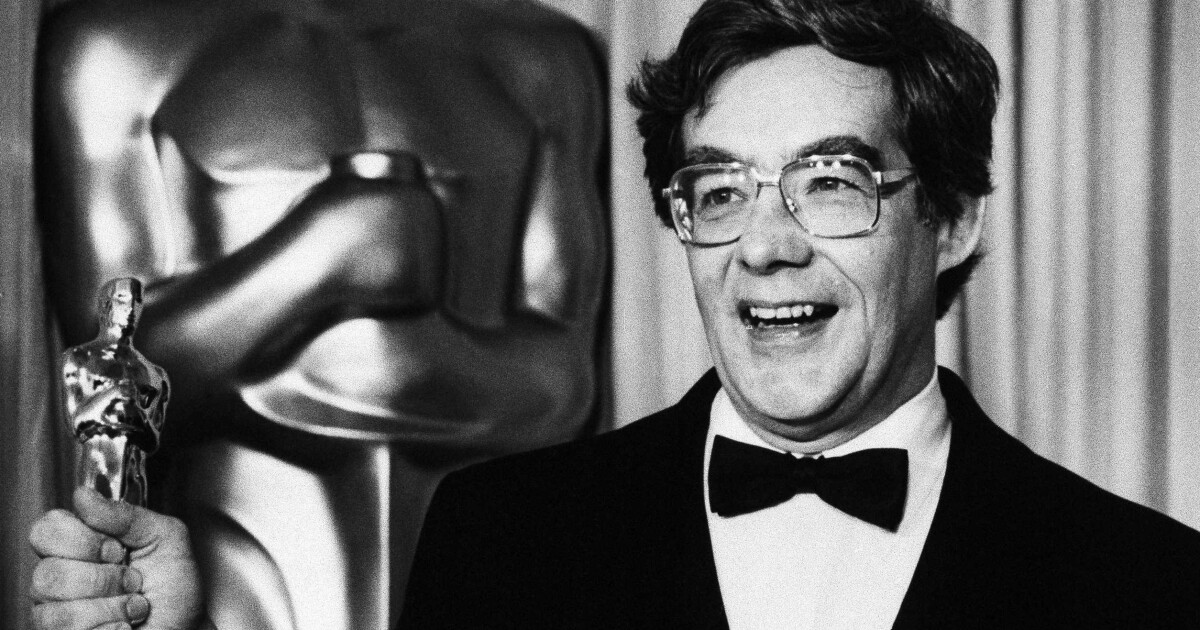 Kurt Luedtke, journalist who wrote 'Out of Africa' and 'Absence of Malice' screenplays, dies