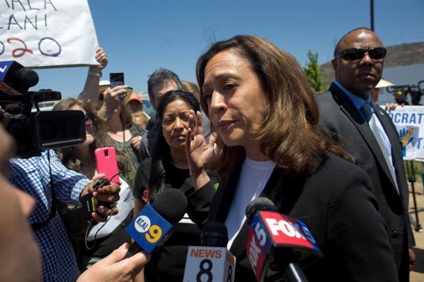US Senator Kamala Harris speaks to reporters outside the Otay Mesa Detention Center in San Diego, California, USA, 22 June 2018. EFE/EPA