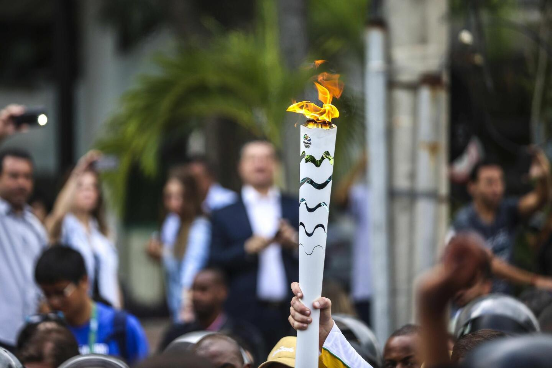 Vista de la antorcha olímpica, a su llegada en la ciudad de Río de Janeiro (Brasil), sede de los Juegos Olímpicos que empiezan el viernes 5 de agosto.