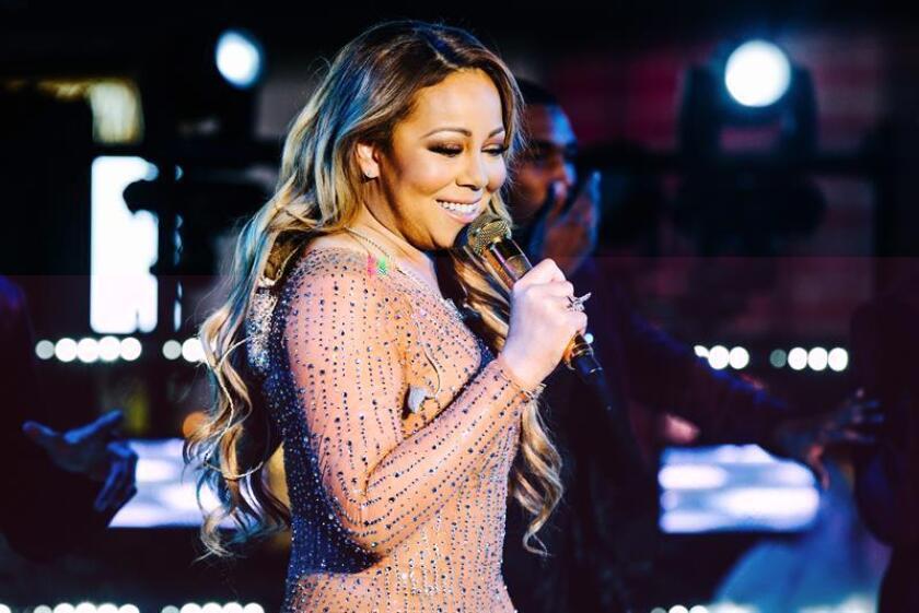 La cantante Mariah Carey despidió el año con una accidentada actuación en la plaza Times Square de Nueva York en la que los problemas técnicos con el sonido terminaron convirtiendo el momento en un gran fiasco. EFE